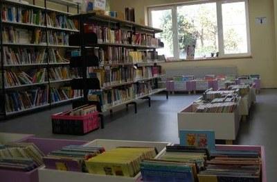 bibliothèque - rayons.jpg