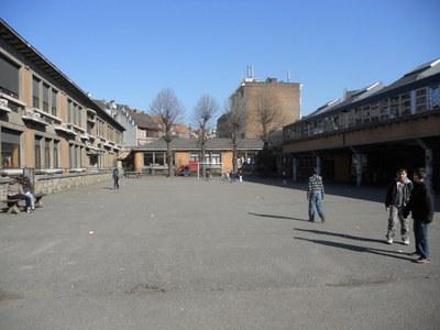 Ecole 9 et 11b - cour avant réno